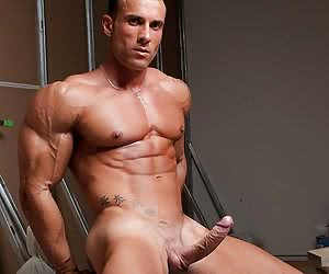Category: gay muscle
