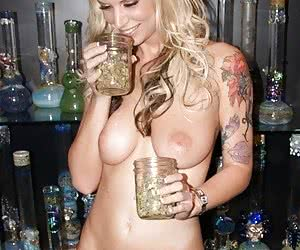 Category: weed girls